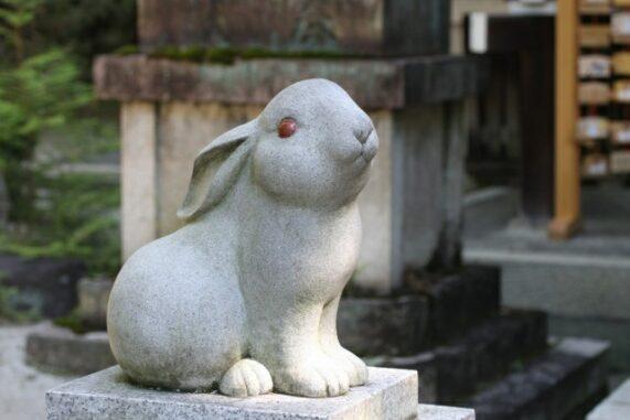 うさぎの像の写真