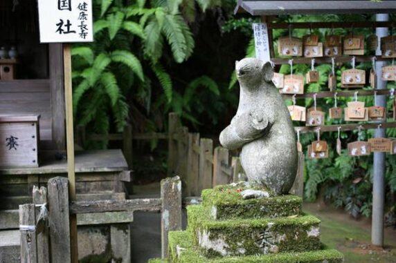 ねずみの像の写真