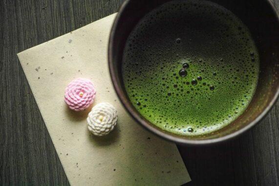 抹茶と干菓子の写真