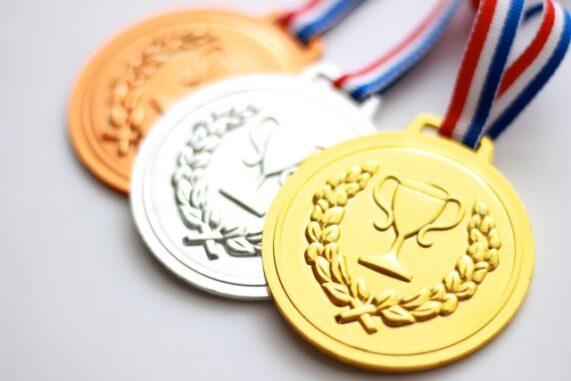 金銀銅のメダルの写真