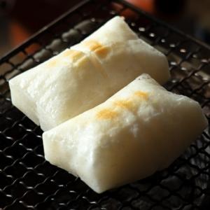 四角い焼き餅の写真