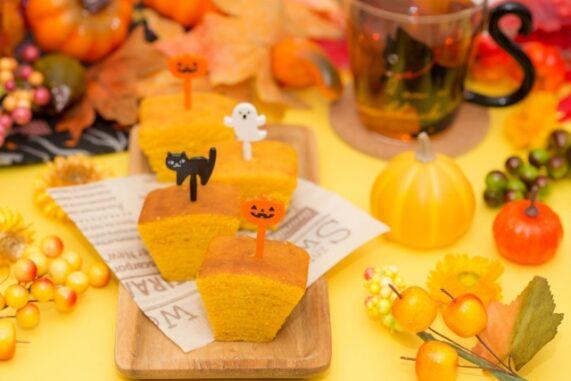 ハロウィンの飾り付けをしたお菓子の写真
